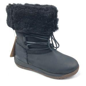 ULU Raven winter boots 8 black shearling lined